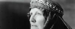 Queen Elinor (Flloyd Kennedy) Trocadero Productions 1997